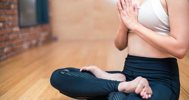 3 façons dont le yoga peut profiter à l'homme d'affaires