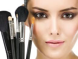 Comment faire un joli maquillage de soirée?